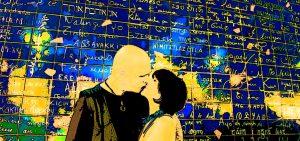 Le baiser au pied du Mur des je « t'aime ».